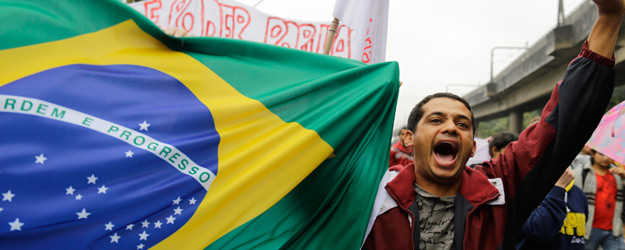 Opinion Briefing: Brazilians' Growing Discontent