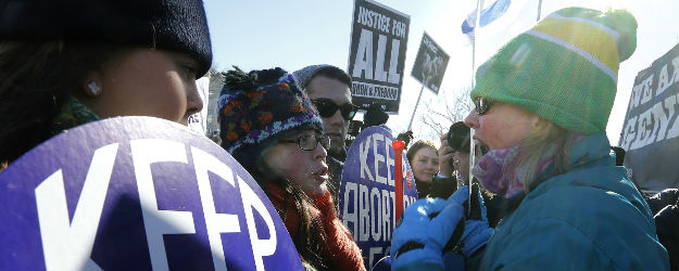 U.S. Still Split on Abortion: 47% Pro-Choice, 46% Pro-Life