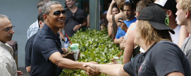 Hawaii, D.C. Residents Most Approving of Obama in 2013