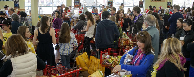 U.S. Consumer Spending Rebounds in February