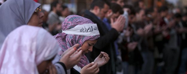 Arab Women and Men See Eye to Eye on Religion's Role in Law