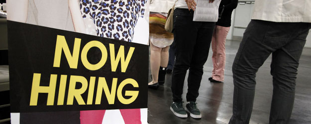 U.S. Unemployment Down Slightly in Mid-July