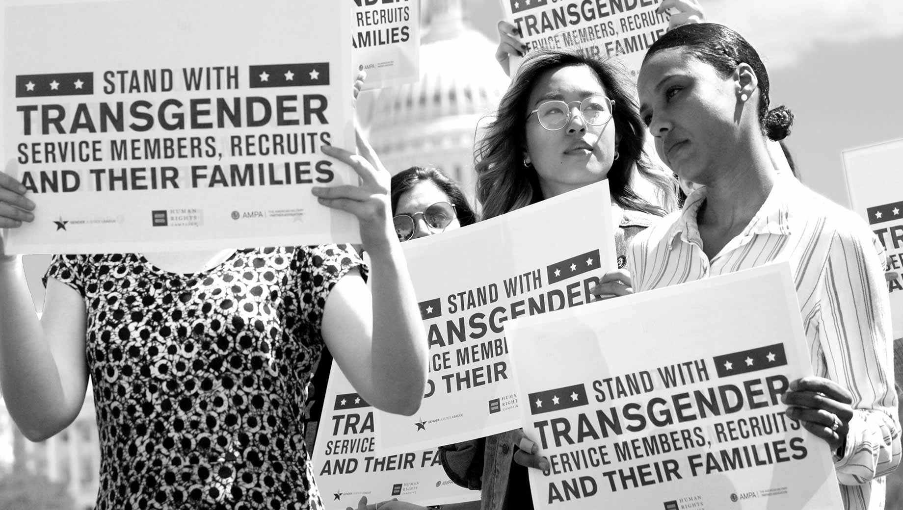 In U.S., 71% Support Transgender People Serving in Military