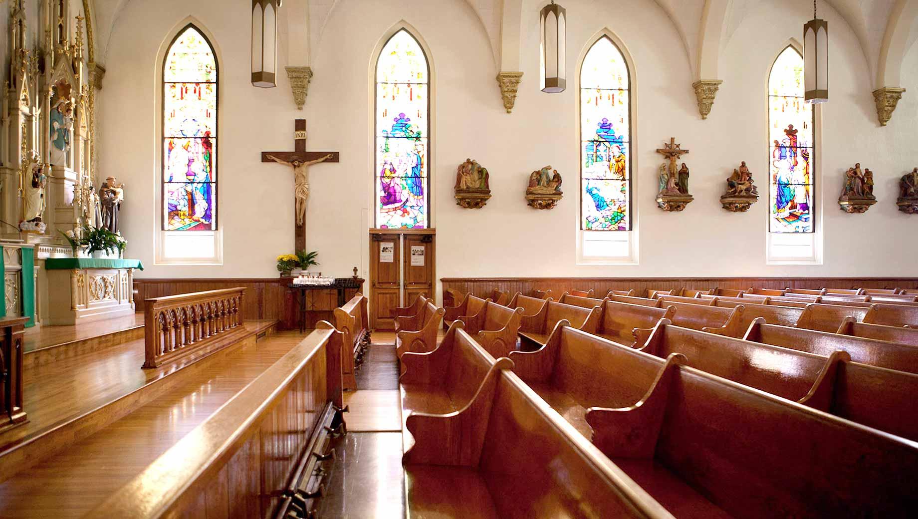 U.S. Church Membership Falls Below Majority for First Time