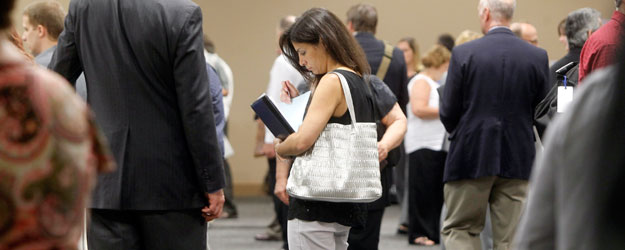 In U.S., Fewer Young Adults Holding Full-Time Jobs in 2013