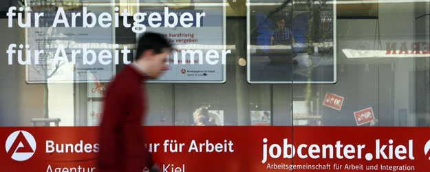 Depression Hits Jobless in UK, U.S. More Than in Germany