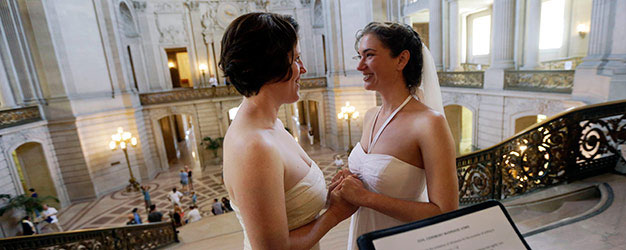 In U.S., 52% Back Law to Legalize Gay Marriage in 50 States
