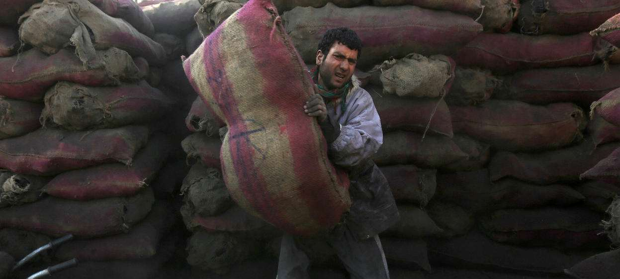 Afghans' Outlook on Economy, Jobs Worst in Years