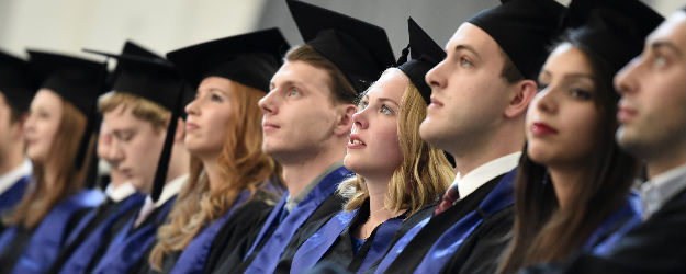 In U.S., Business Grads Lag Other Majors in Work Interest