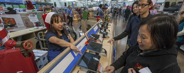 U.S. Consumer Spending Holds Steady, Consistent With 2011