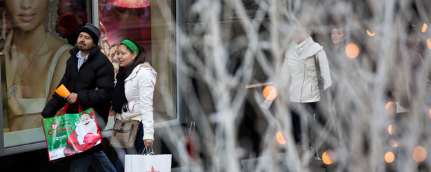 U.S. Consumer Spending Gains More Over Thanksgiving
